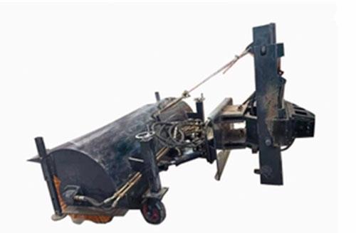 悬挂式扫雪机